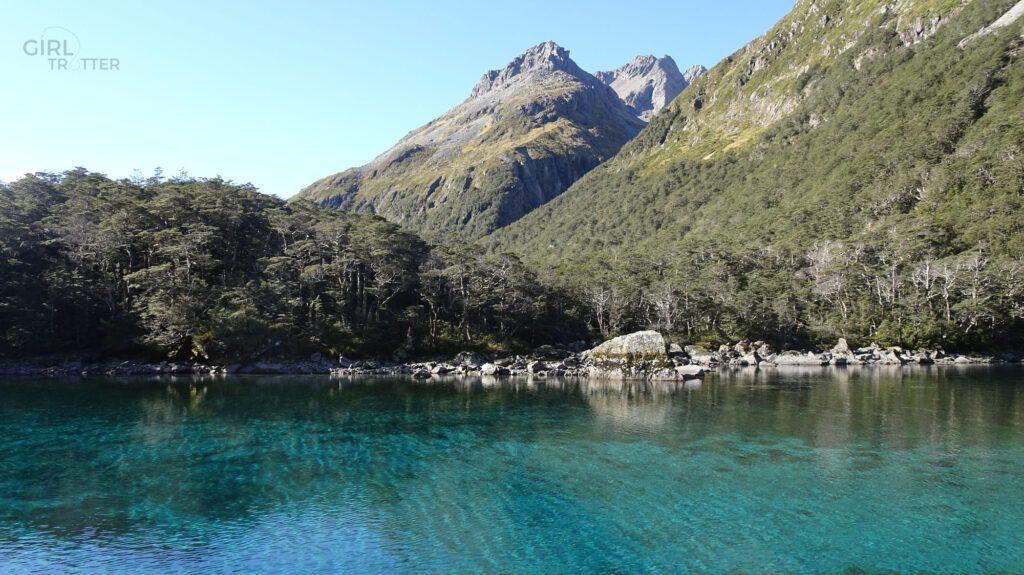Randonnée du blue lake dans le Parc national des lacs de nelson - Girltrotter