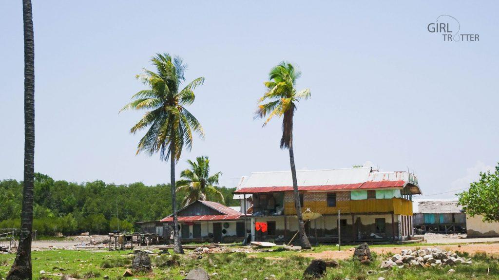 Riung sur l'ile de Florès en Indonésie et son parc marin Taman Laut ou jardin de la mer