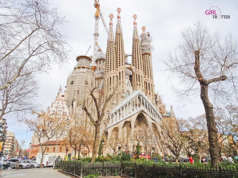 La Sagrada Familia de Gaudi a Barcelone by Girltrotter