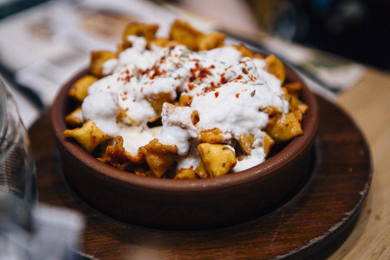 Que manger à Istanbul ? des Raviolis Manti turcs