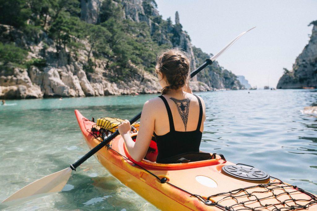 Kayak dans les calanques de Cassis et Marseille à Port Pin
