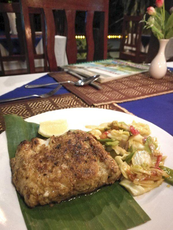 Manger du poisson frai à Ngapali Beach en Birmanie chez taste seafood
