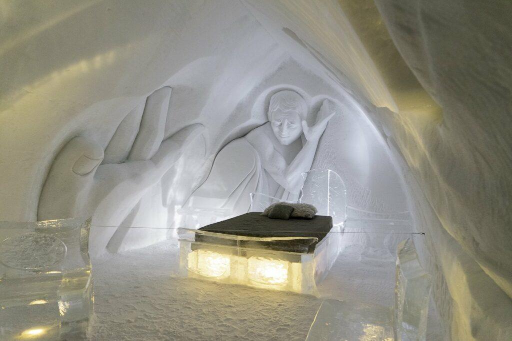 Nuit insolite à l'Hôtel de glace de Québec