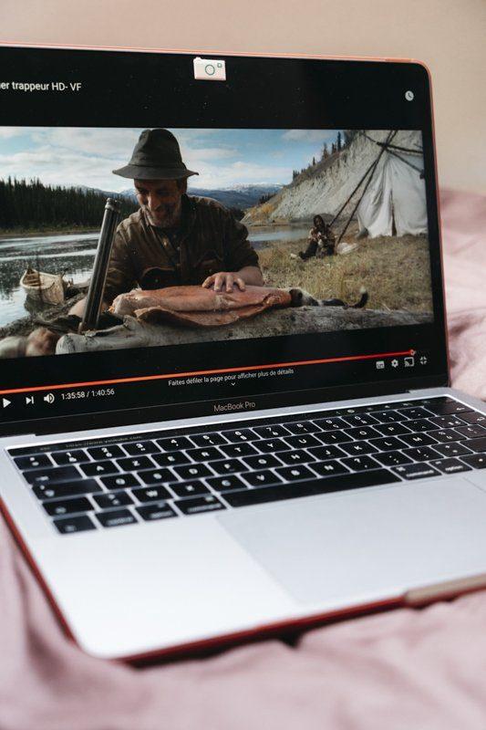 Livre d'aventure et de voyage La Grande course et film Le dernier trappeur de Nicolas Vanier - Un livre, Un film