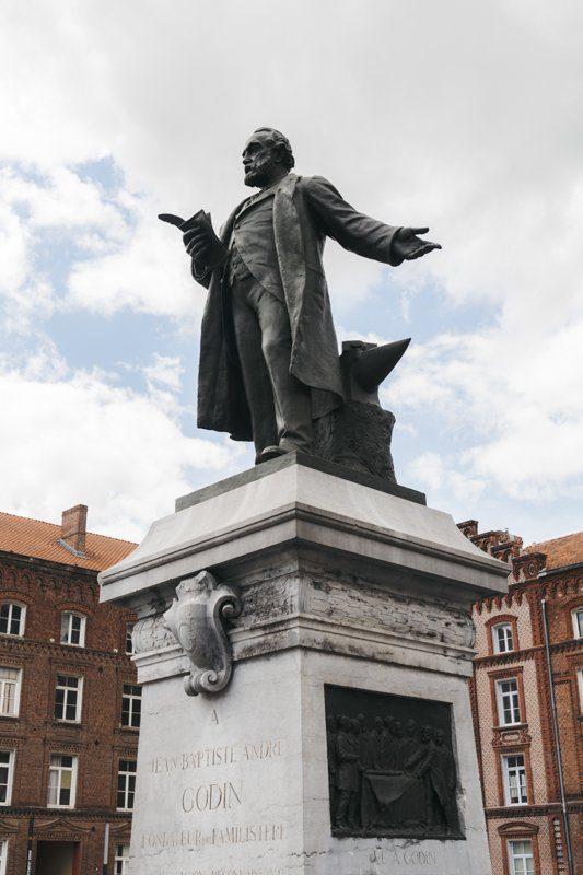 Statue de Jean-Baptiste Andre Godin, Familistère de Guise, tourisme Aisne, Hauts-de-France